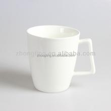 Special handle design 400ml ceramic porcelain mug