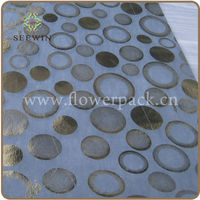 cheap one- time -use non-woven table runner