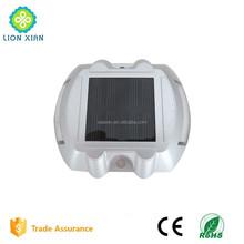 led solar flashing roadway marker