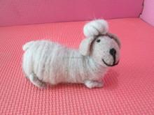2015 100% handmade wool felt living room decor sheep