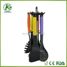 China Manufacturer 4pcs nylon kitchen utensil with kitchen utensil stand
