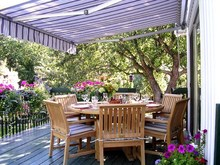 Fashionable Aluminum Frame Automatic Retractable Outdoor Awning
