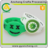 custom design 30mm rubber silicone band for corporate gifts