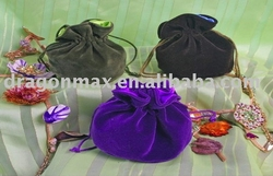 sell velvet pouch, jewelry pouch drawstring bag, gift bag, pouch.