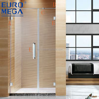 Square free standing glass shower enclosure