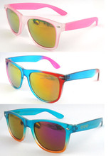 Cheap custom two tone frame wayfarer sunglasses,mirror lens wayfarer sunglasses.