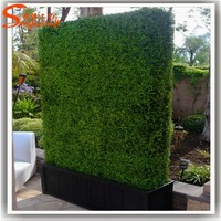 Plastic artificial grass factory Wholesale artificial leaf fence and artificial plastic green boxwood hedge fence directly