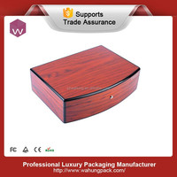 luxury fashion red piano finish wooden venner pearl jewelry box with high glossy painting