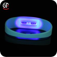 importazione di massa ampiamente con led luce led braccialetto
