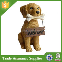 Polyresin Animal Figurine Dog With Welcome Sign Dog Garden Statue