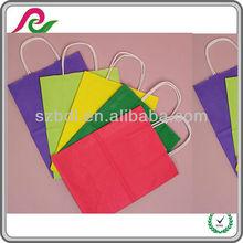 La bolsa multicolor y plegable de kraft para la compra ,