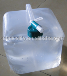 collapsible water container with tap