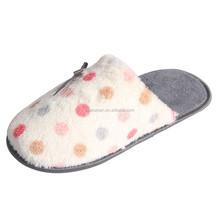China Wonderful but in low price gel slipper