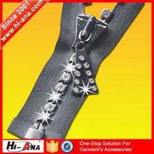 hi-ana zipper3 Globally integrating manufacturing selling fancy zipper