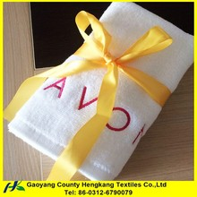 China supplier high quality 100% cotton binding embroidery towel gift set