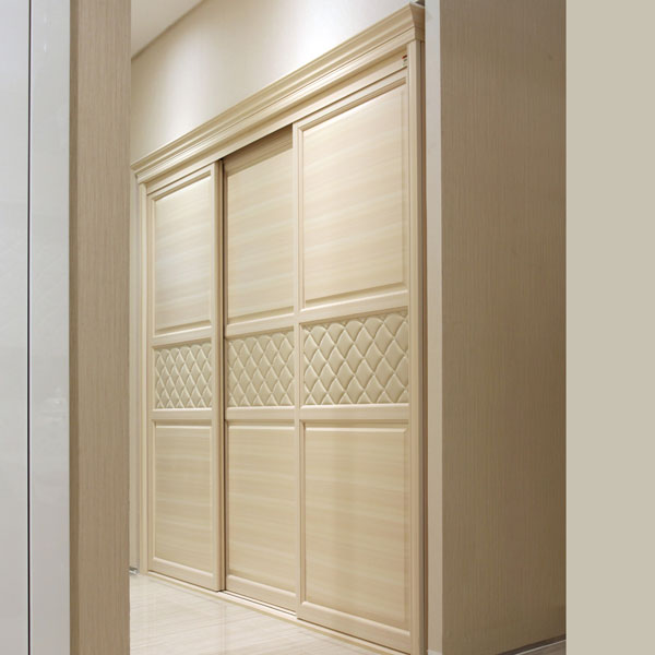 Oppein latest built in sliding 3 doors bedroom wardrobe for Built in sliding doors