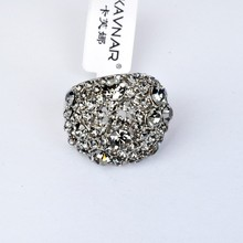 Wholesale Attractive Rhodium Plated New Crystal Ring For Women Accessory