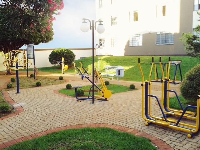 Set completo de maquinas de ejercicio personas mayores gimnasio aparatos fitness exteriores - Compartir piso con personas mayores ...
