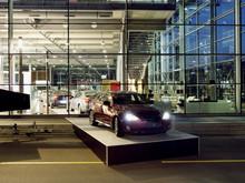 Easy maintain car show woven vinyl floor covering