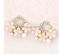 Fashion gold shell flower sweet simple stud earrings