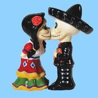 Ceramic Decorative Mini Skull Bride And Groom Salt And Pepper Shaker