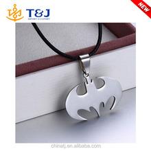2015 Hot sale unisex leather chain bat shape daily wear alloy layered pendant necklace/