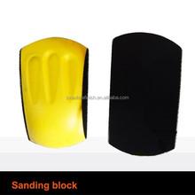 Lijado a mano del bloque con Velcro