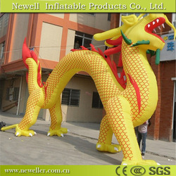 New designed custom inflatable cartoon car for hotel decoration