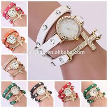 Venta por mayor cruz reloj de 9 colores relojes para niñas