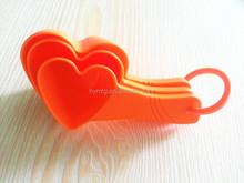 3pcs plastic heart shaped measuring cup set