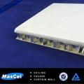 600*600mm baldosas techo de aluminio en relieve para el techo de nido de abeja