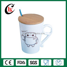 Wholesale high quality porcelain coffee mug ceramic mug with spoon and wooden cover