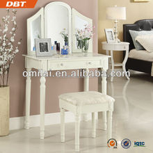 Bedroom Lady Vanity table Triple mirrors Dressers for make up