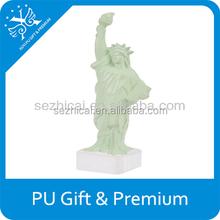 Estatua de la libertad para aliviar el estrés de la pu espuma estatua de la libertad calmante para el estrés bola estatua de la libertad anti bola de la tensión