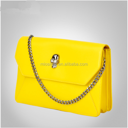 S30128H SPECIAL METAL SKULL APPLIQUED FASHION BAGS REAL LEATHER SIMPLE ENVELOPE CHAIN BAG