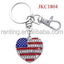 yiwu jewelry factory supply alloy crystal heart shape america flag keychain