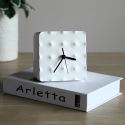 Polyresin decoration table clock time clock