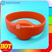 Gym/Swimming Pool Access Control rubber silicon chip wristband