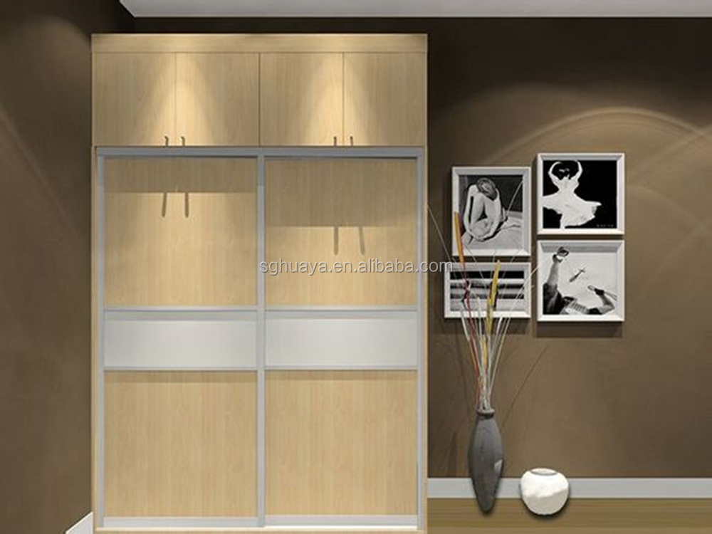 Modern bedroom sliding door wardrobe design children for Contemporary wardrobe designs india