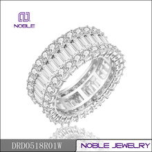 Noble elegant round and baguette 18K white gold diamond jewelry