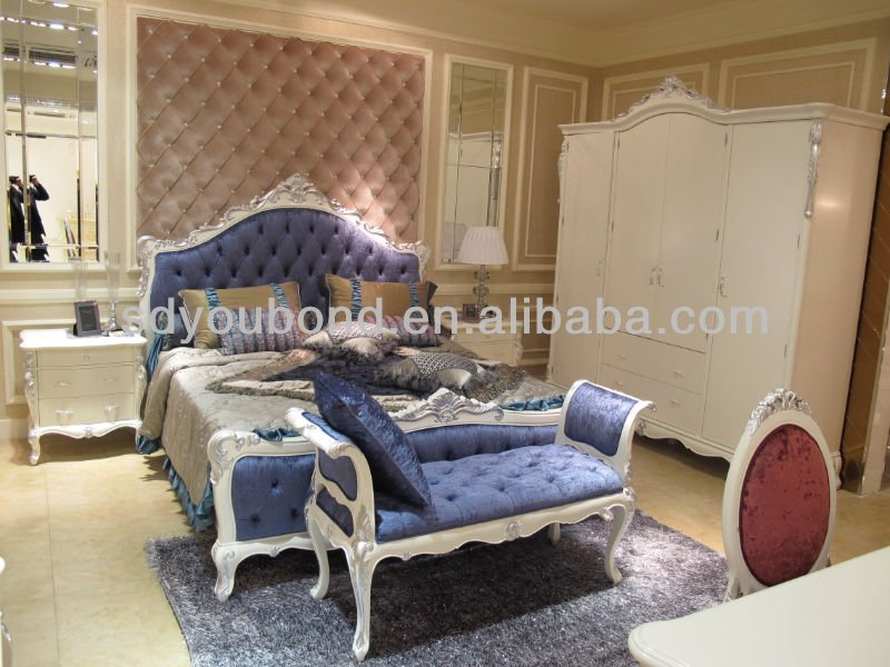 White King Size Solid Wood Luxurious Italian Classic Bedroom Furniture
