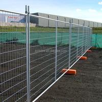 Easily assembled interlocking fence