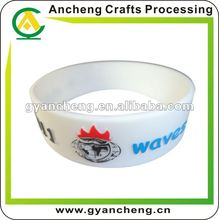 promotion top quality Christmas gifts Embossed silicone bracelets