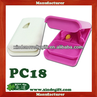 New promotional plastic Pill cutter Pill Case, Medical tablet cutter, Pill splitter Pill box equipped with stainless steel blade