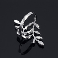 2015 Neoglory Branch And Leaf Zinc Alloy Rhodium Plated Crystal Mens Ring