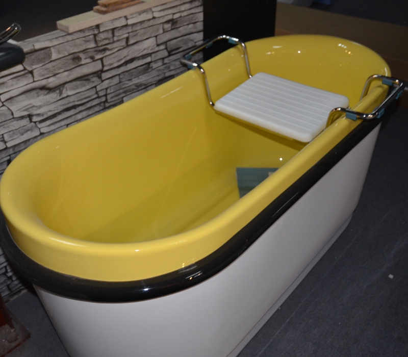 HS-BZ344 freestanding yellow and white soaking bathtubs make in China