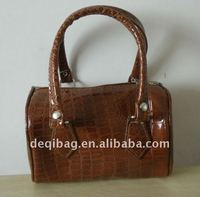 2012 professional pu leather small hand bag fashion