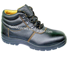 Manufacturer of safety shoes price in india with high quality
