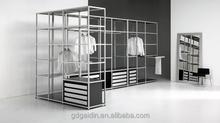 Vêtements de circulaire et suspendus pôle de marche en armoire portes coulissantes