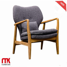 Lasted long hot sale wooden frame armchair with Fabric cushion